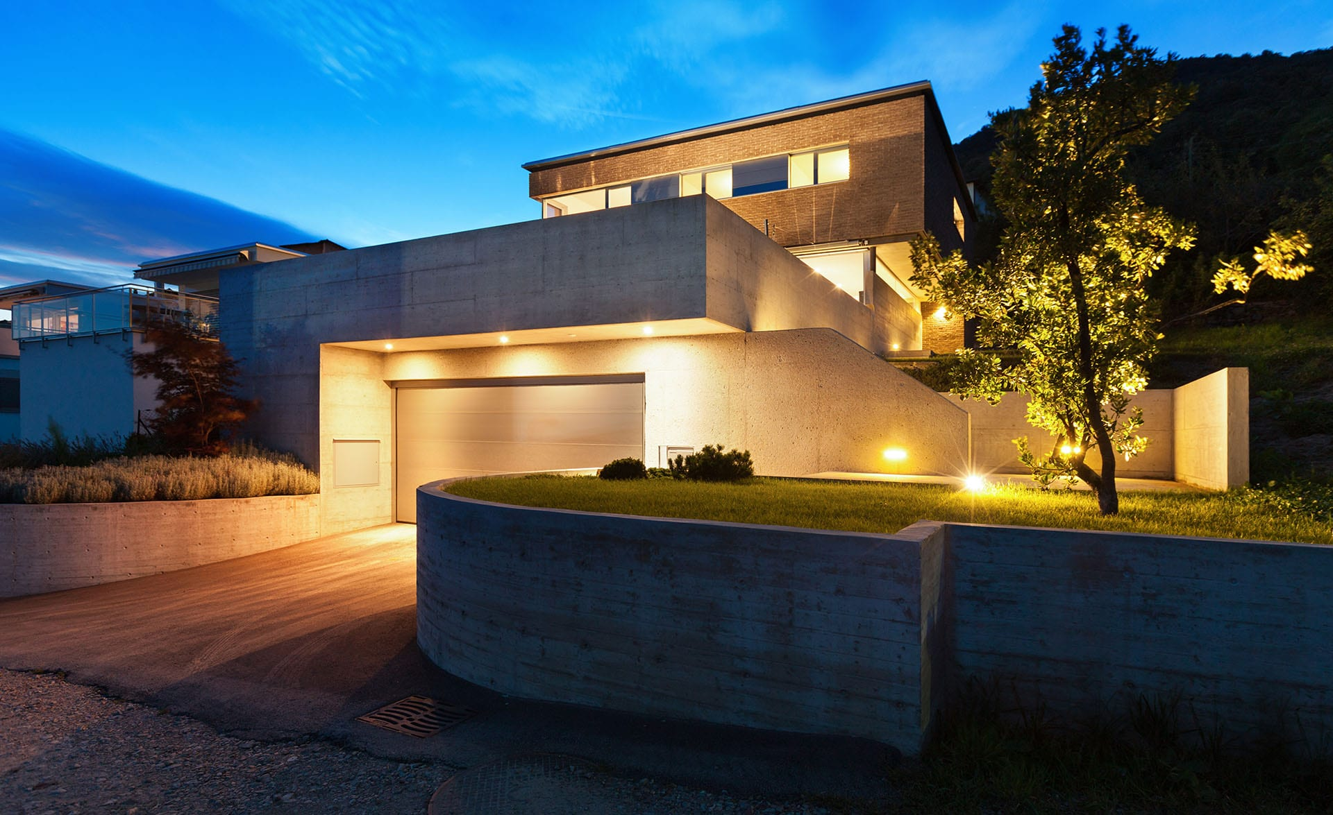 Best Techniques For Lighting The Exterior Of A Home